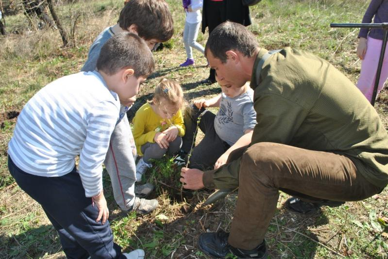 Млади лесовъди - ДЕТСКИ ПОХОД