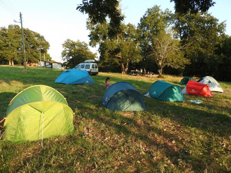 ДЕТСКИ ПОХОД: Хайде на палатка