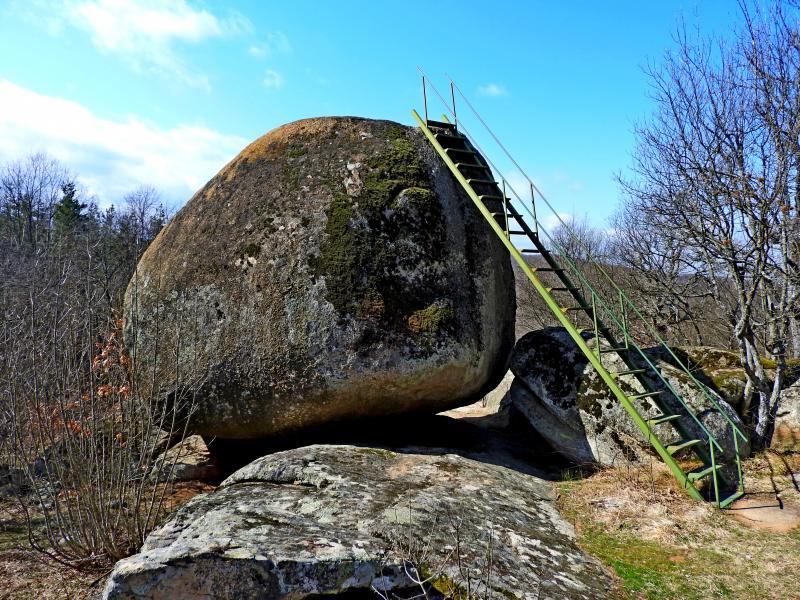 През Марков камък до село Белеврен