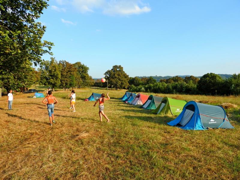 Детски палатков лагер