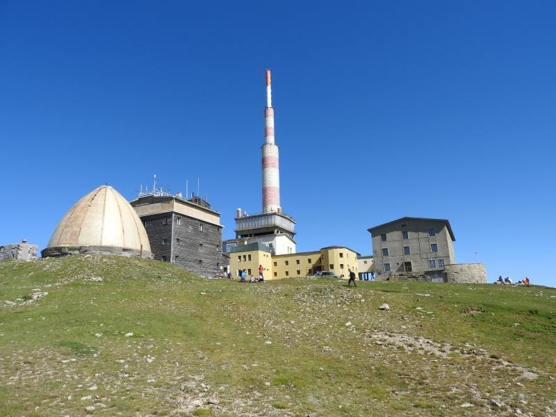 Хижа Рай - връх Ботев - хижа Левски в Стара Планина